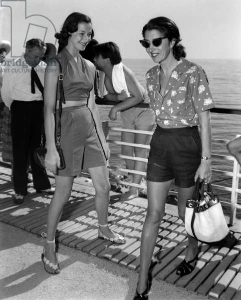 THE COUNTESS CONSUELO O 'CONNOR, WIFE OF RUDY CRESPI, WITH THE COUNTESS MARIA BORBONE PARMA (PRINCESS MARIA DI SAVOIA (Maria Francesca or Marie Francoise or Marie Francoise de Savoie) (in shorts) - CAP D'ANTIBES - 1955 approx.
