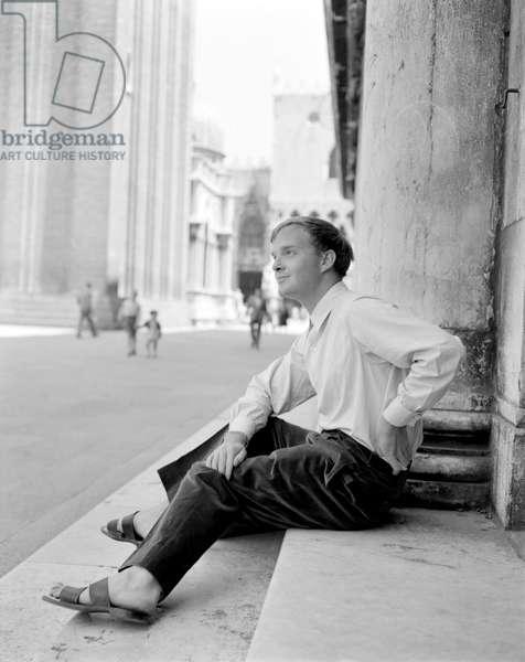 THE WRITER TRUMAN CAPOTE IN VENICE - 1951 -
