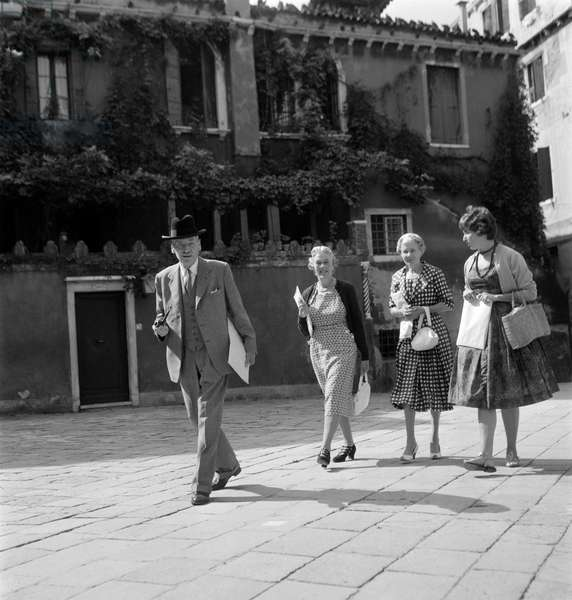 THE FORMER ENGLISH PRIME MINISTER CLEMENT RICHARD ATTLEE WITH HIS WIFE VIOLET IN VENICE - 1963