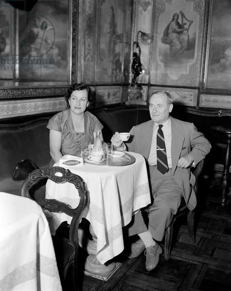 THE PAINTER AND SULPTOR JOAN MIRO WITH HIS WIFE at Florian Cafe - VENICE - 1952
