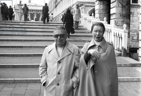 Writers and philosophers JEAN PAUL (Jean-Paul) SARTRE and SIMONE DE BEAUVOIR in Venice in 1976