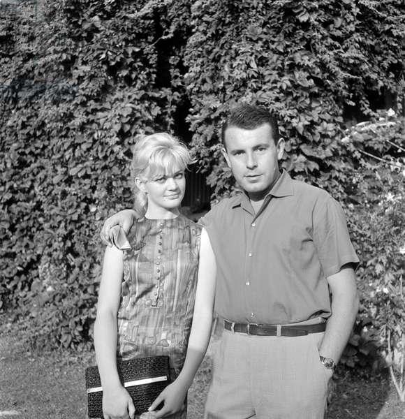 THE DIRECTOR MILOS FORMAN WITH THE ACTRESS HANA BRECHOVA (Brejchova) AT THE VENICE FILM FESTIVAL - 1965