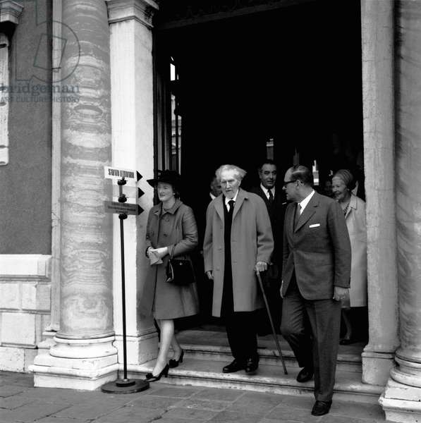 American writer and poet EZRA POUND, T.S widow Eliot Valerie, critic and linguist VITTORE BRANCA and his wife on the island of San Giorgio in Venice 1969