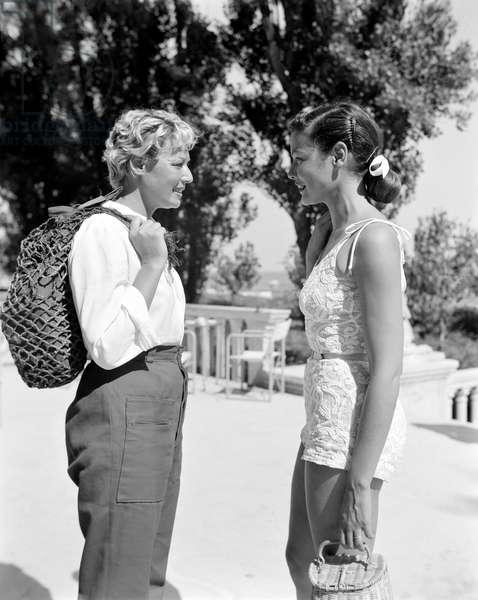THE ACTRESS GENE TIERNEY WITH THE ACTRESS TILDA THAMAR AT VENICE LIDO - 1951