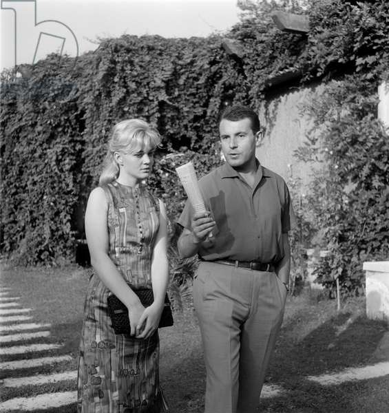 THE DIRECTOR MILOS FORMAN WITH THE ACTRESS BRESCHOVA (Brejchova) AT VENICE LIDO - 1965