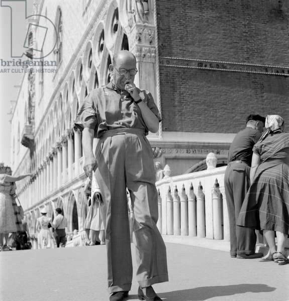THE ACTOR CEDRIC HARDWICKE IN VENICE - 1954