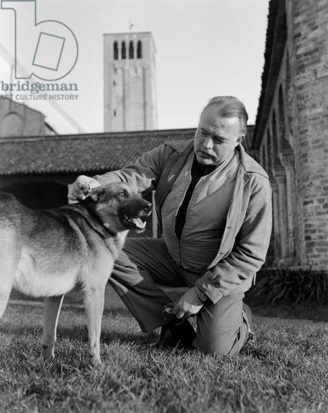 THE WRITER ERNEST HEMINGWAY AT TORCELLO (VENICE) - 1948