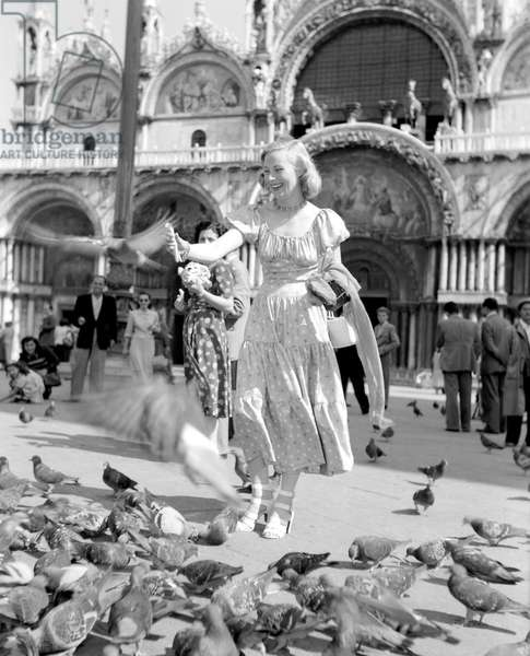 THE ACTRESS MICHELLE MORGAN (St. Mark's Square or Piazza San Marco) IN VENICE - 1948