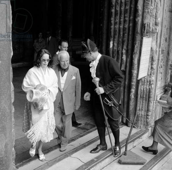 THE ACTOR AND DIRECTOR CHARLIE CHAPLIN WITH HIS WIFE OONA O 'NEAL - VENICE - 1959