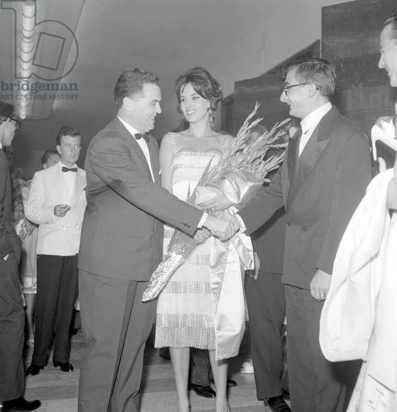 THE ACTRESS ANTONELLA LUALDI AT XX INTERNATIONAL FILM FESTIVAL OF VENICE WITH THE DIRECTOR OF FESTIVAL FLORIS LUIGI AMMANATI AND THE DIRECTOR CLAUDE CHABROL - 1959