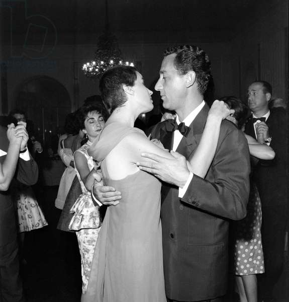 THE ACTRESS SILVANA MANGANO WITH THE ACTOR ALBERTO SORDI AT THE XX INTERNATIONAL FILM FESTIVAL IN VENICE LIDO - 1959