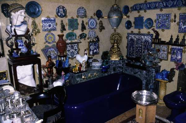 """The Vittoriale degli italiani (Vittoriale des Italians) a Gardone Riviera (Italy). Gabriele d'Annunzio (1863-1938) lived in this house on the shore of Lake Garda between 1921 and 1938. The """"Blue Bathtub"""""""