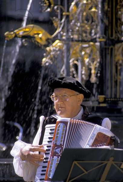 HOLAND: folklore: accordeon