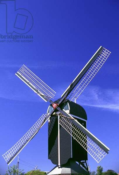 HOLAND: LEIDEN: windmill