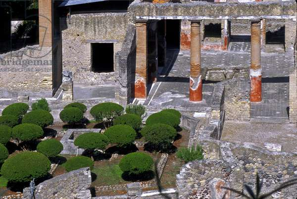 Italy: Archeological site of Herculanum: at the foot of the Vesuve: