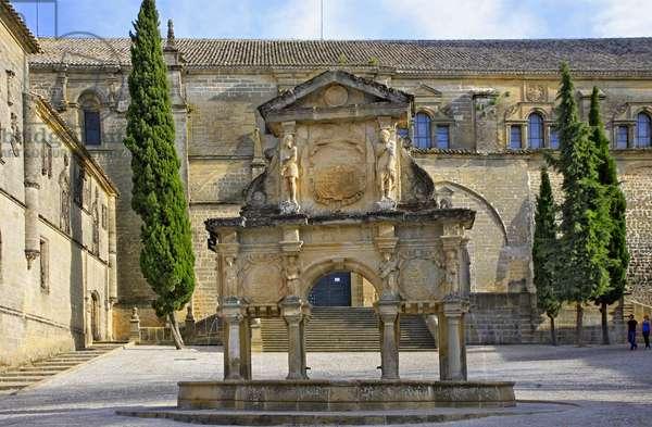 Spain - Andalusia - city of Baeza - Plaza Sant Maria et la fontaine decoree de cariatides et atlantes, artwork by Gines Martinez (1564)