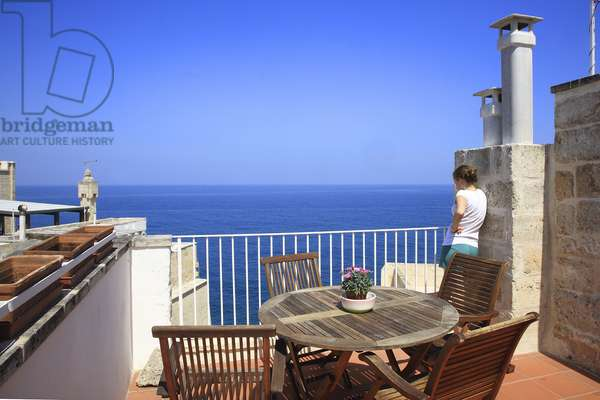 Italy: Puglia: terrace and view of the Adriatic