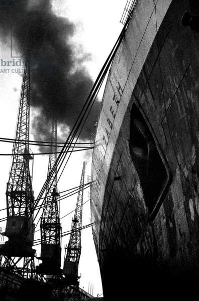 RMS Queen Elizabeth, 1961 (b/w photo)