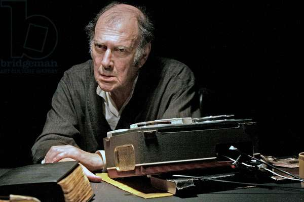 Harold Pinter in Samuel Beckett 's play 'Krapp's Last Tape'