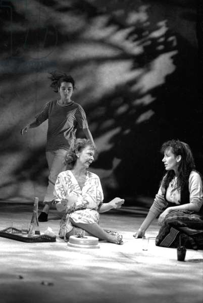 Shirley Henderson, Sheila Reid and Jane Gurnett in 'My Mother Said I Never Should', directed by Michael Attenborough, Royal Court Theatre, 1989 (b/w photo)