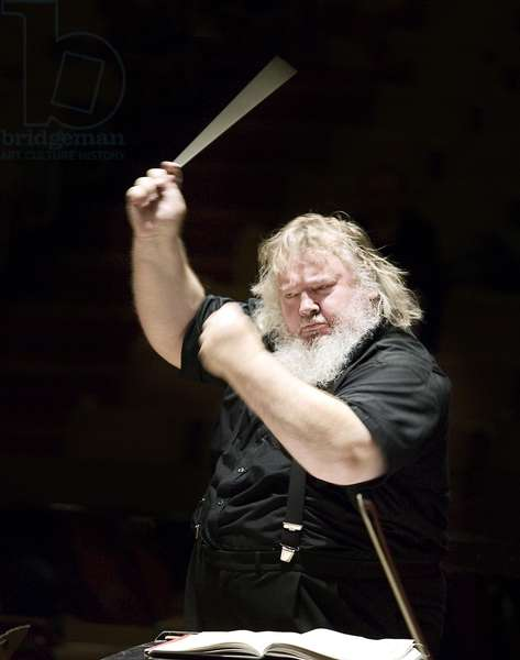 Leif Segerstam conducting with