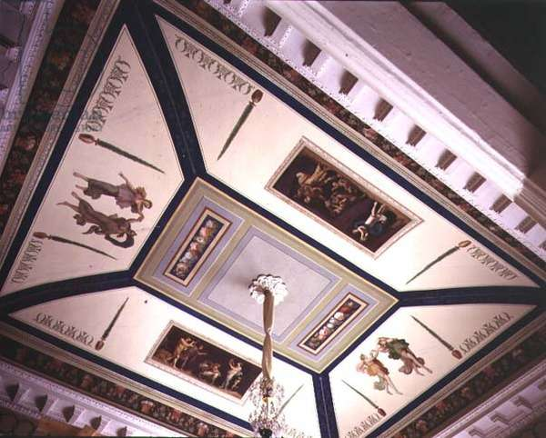 Painted ceiling of Catherine the Great's Bedroom decorated with pastoral scenes designed by Ivan Starov (1744-1808) (photo)
