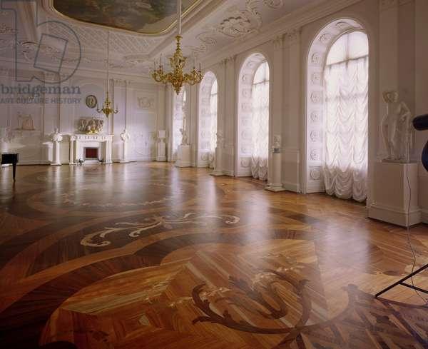 The White Hall designed by Antonio Rinaldi (1709-94) (photo)