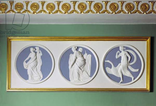 Detail of stucco medallions depicting allegorical figures from the Bedchamber of the First Apartment of the Catherine Palace, by Ivan Petrovich Martos (1753-1835) (photo)