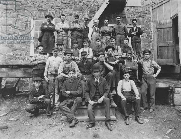 Employees at Henry Clay Factory, 1905 (b/w photo)