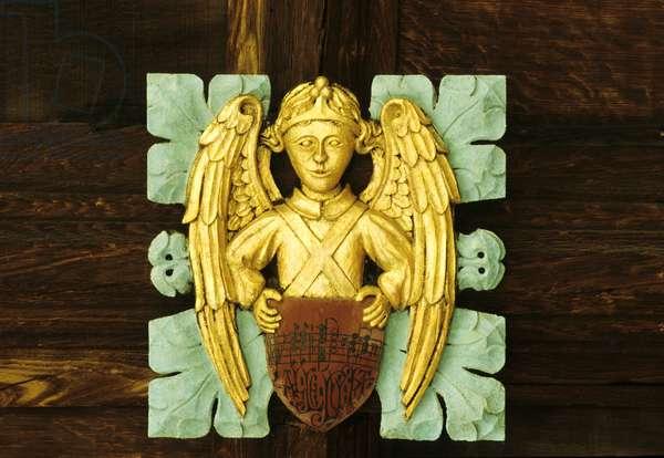 Angel roof boss from the cloisters (photo)