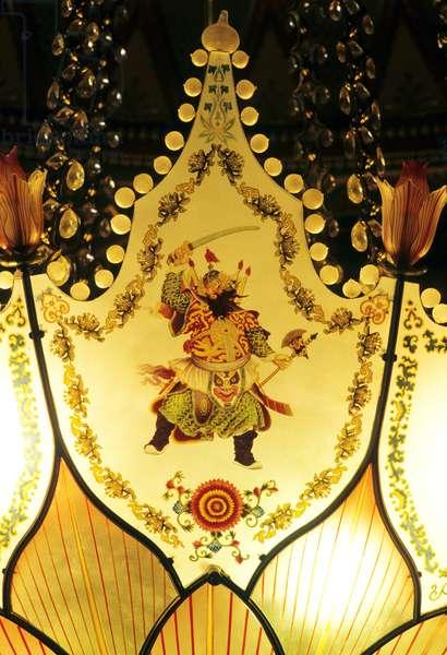 Oriental lamp detail (glass)