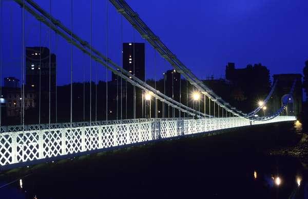 Suspension bridge over the River Clyde (photo)