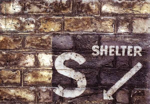 Sign for a Second World War Air Raid Shelter (photo)
