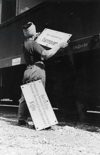 Train at Grunewald station (West Berlin) being prepared for the first inter-zone transportations following the end of the Berlin Blockade (24th June 1948 - 11th May 1949), Berlin, 1949 (b/w photo)