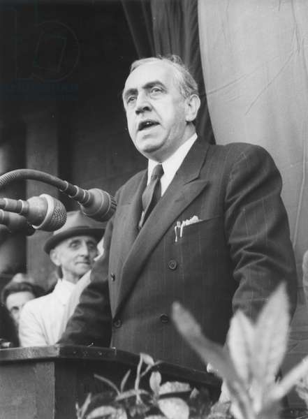 Ernst Reuter giving a speech in front of Schoeneberg town hall following the lifting of the Berlin Blockade (24th June 1948 - 11th May 1949), Berlin, 12th May 1949 (b/w photo)