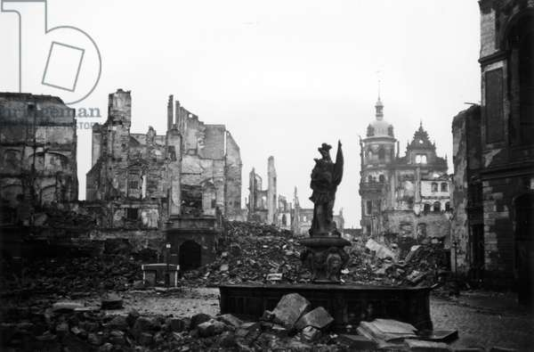 Ruins in Dresden, 1945-48 (b/w photo)