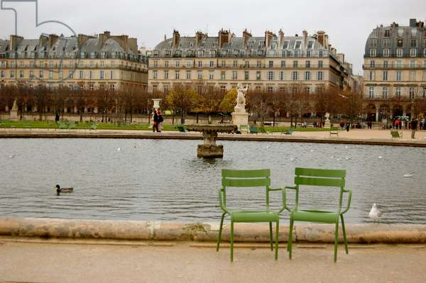 Chairs in the Tuileries, Paris, France (photo)