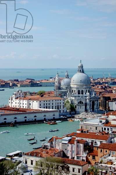 View of Santa Maria della Salute, Venice, Italy (photo)