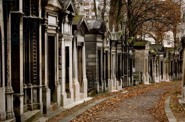 Père Lachaise Cemetery, Paris, France (photo)