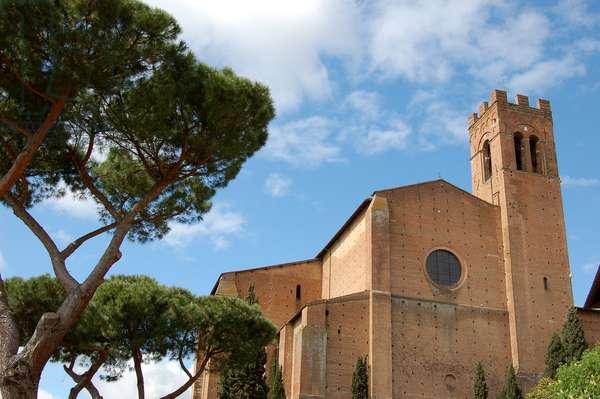 Basilica of San Domenico, Siena, Italy (photo)