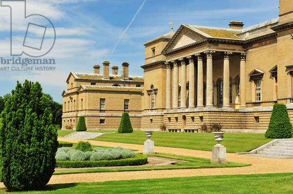 Principal or south facade of Holkham Hall, Norfolk (photo)