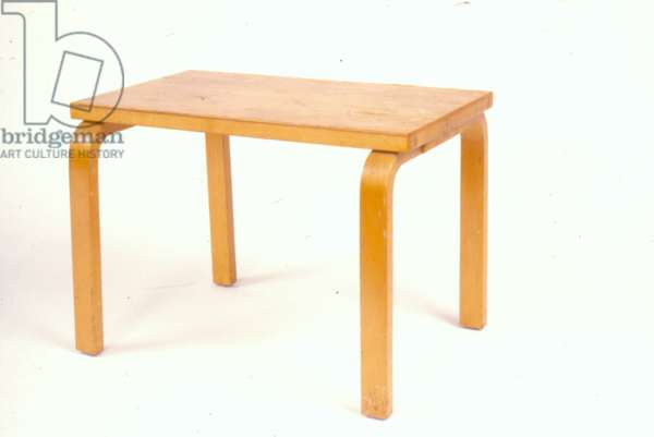 Table (laminated birch)