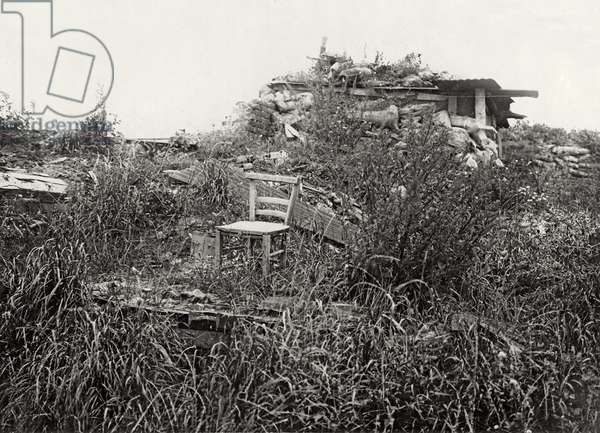 A vacant chair in Longueval a year after the Battle of the Somme, summer 1917 (b/w photo)