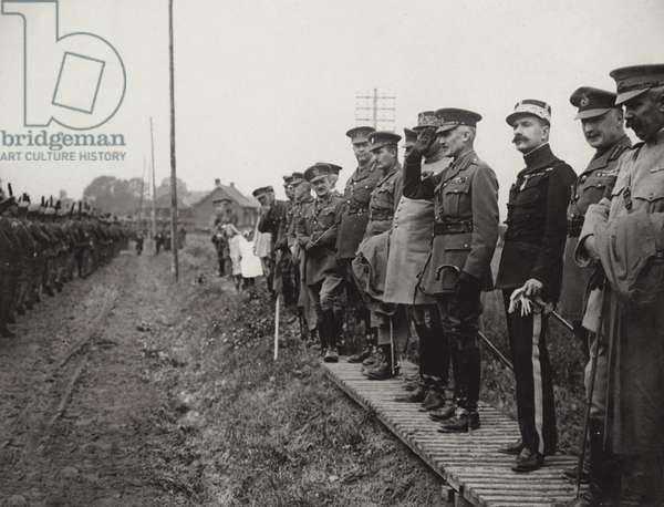 Great service to mark the opening of the 4th year of war, 1917 (b/w photo)