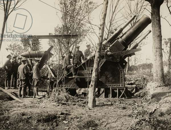 A big howitzer in action on the Western Front, 1914-18 (b/w photo)