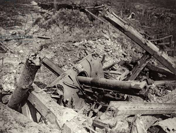 German guns knocked out of action by British artillery at Pozières, France, c.1916 (b/w photo)