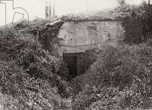 German dug-out in Mametz Wood, Autumn 1917 (b/w photo)