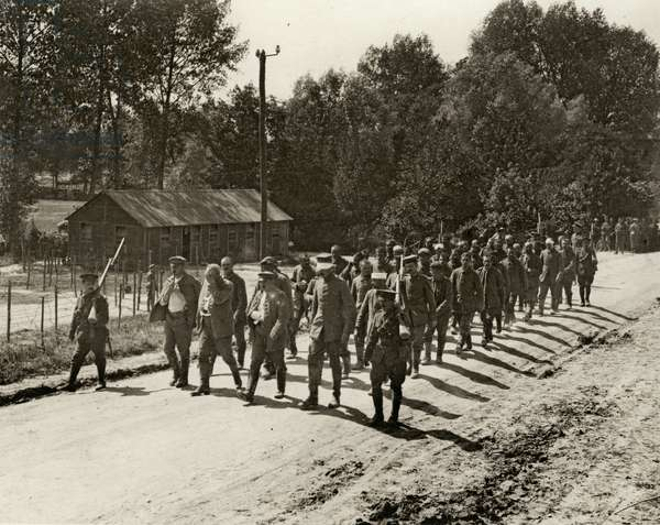 German prisoners captured during the first day of the Somme offensive, 1st July 1916 (b/w photo)
