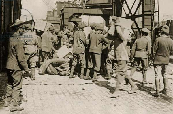 An Egyptian labour party at work, Western Front, 1914-18 (b/w photo)
