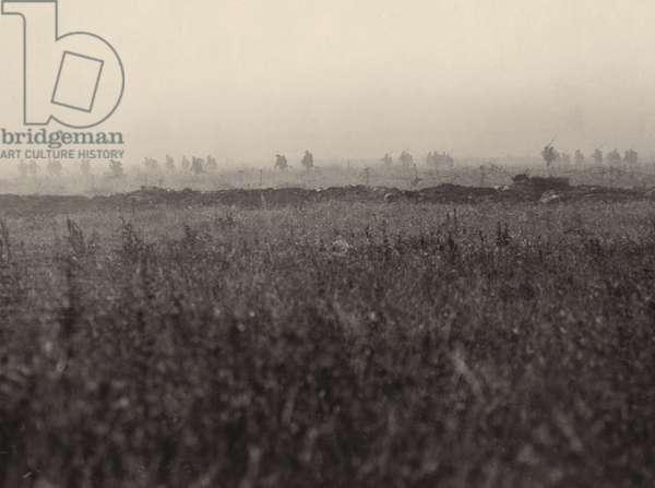 The assault at La Boiselle, 1 July 1916 (b/w photo)